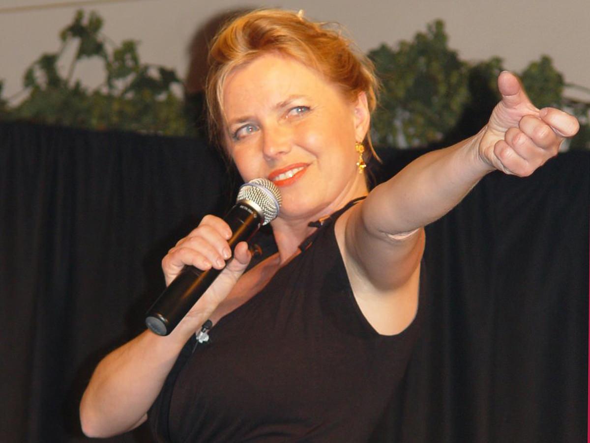 "Simone Solga - Kabarett ""Perle mit Zündschnur"" karolult 2003"